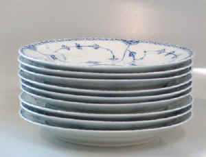 RC1-571-dinnerplateb.jpg (20606 byte)
