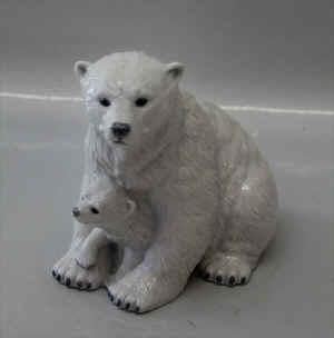 RC0353Polarbearb.jpg (116774 byte)