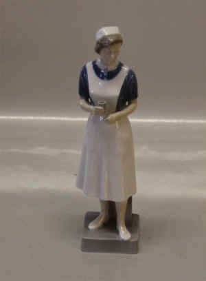 RC4507Nurse2.jpg (199084 byte)